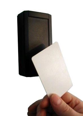 R-2-EM Bezdotyková čtečka identifikačních karet Emarine sprotokolem WIEGAND