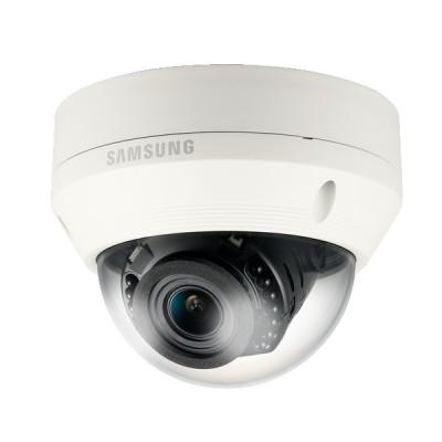 SNV-L5083RP DOPRODEJ - IP kamera 1.3MPx antivandal dome s ICR, 3-axis, IR